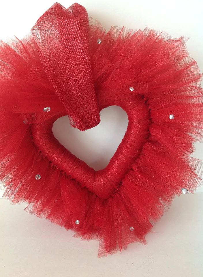 Heart-shaped red tulle wreath for Valentine's Day