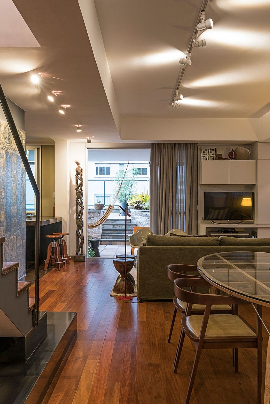 50s D 233 Cor Meets Modern Flair Inside Rejuvenated Brazilian