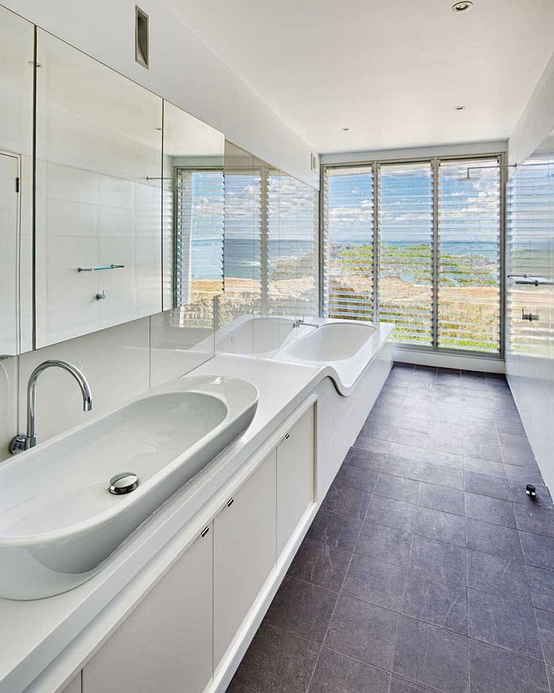 Luxurious bathroom in white with ocea view