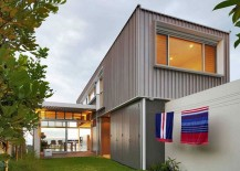 Metallic-exterior-of-the-Sydney-home-gives-it-an-urban-appeal-217x155