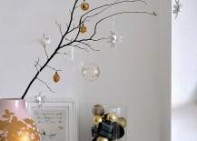 Minimal decorating idea looks great beyond the holiday season
