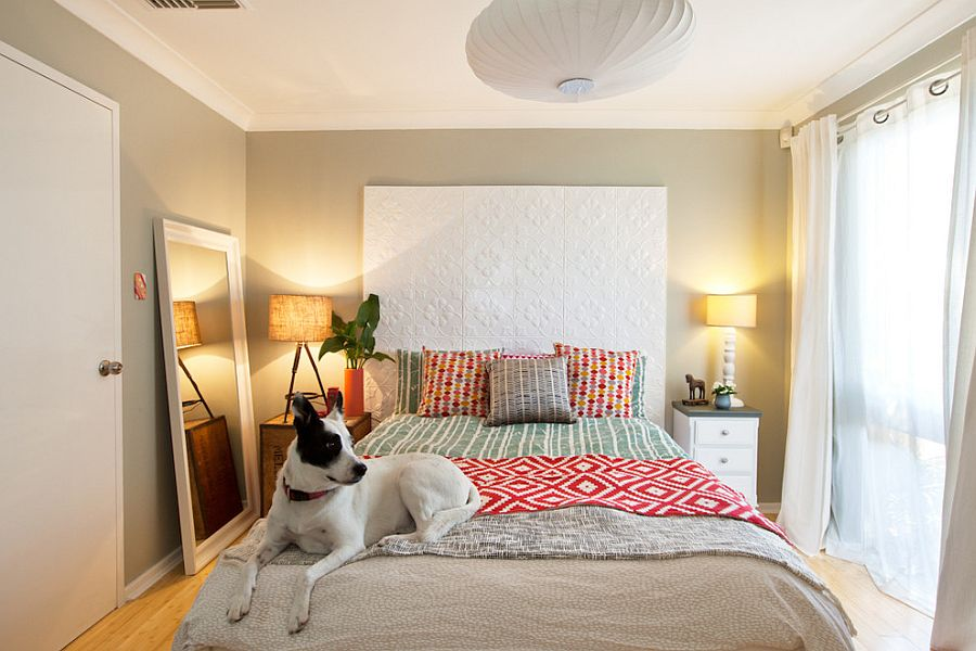 Mismatched table lamps in the bedroom make for a quirky addition [Design: Red Images Fine Photography]