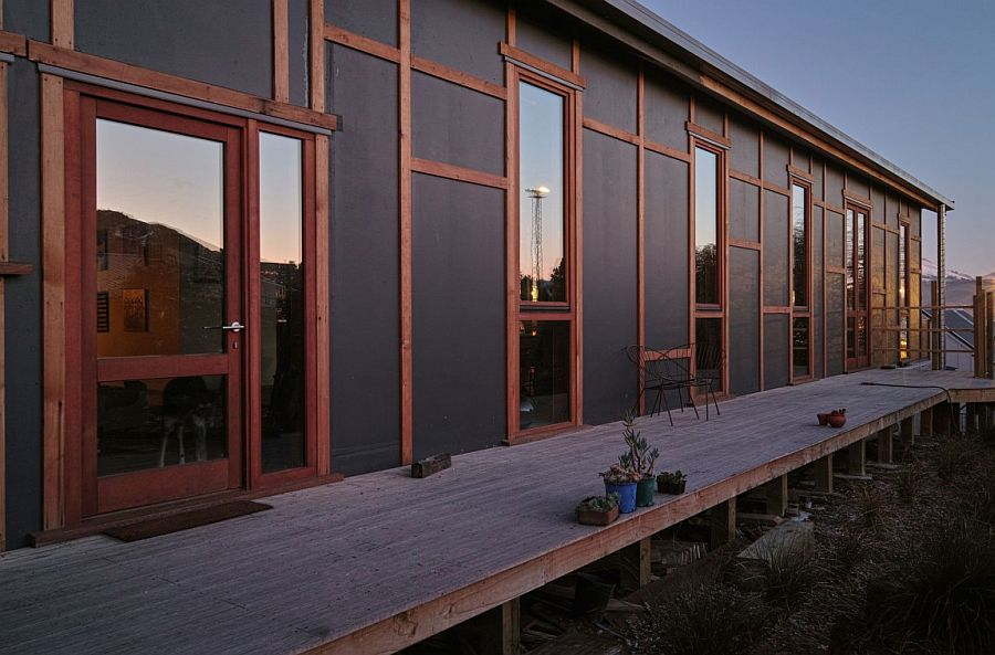 Narrow deck area of the industrial home in New Zealand