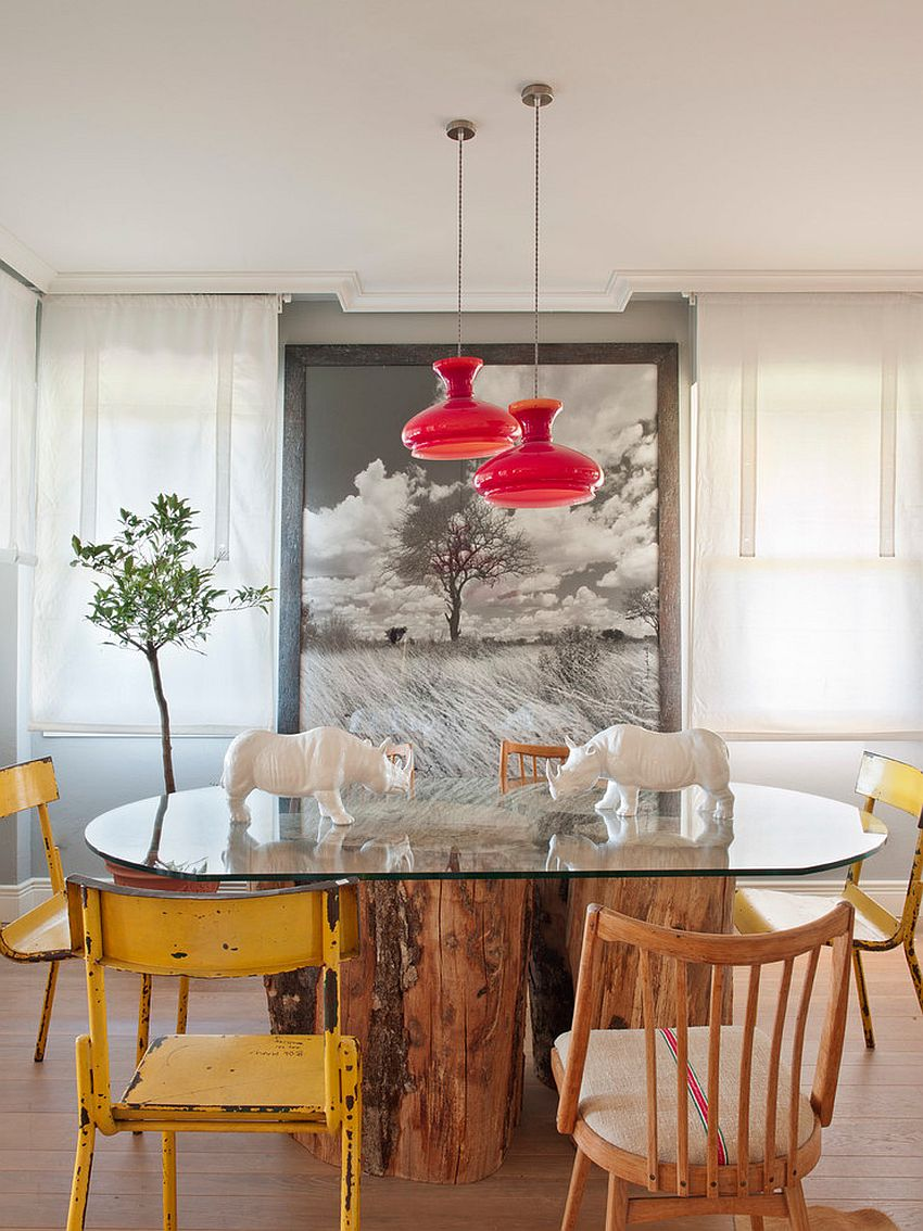 Shabby chic and contemporary styles come together in this smart dining room [Design: Belen Ferrandiz]