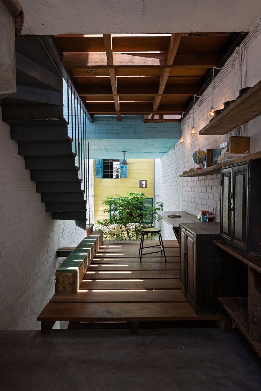 Smart Ho Chi Minh City house makes use of the vertical space on offer