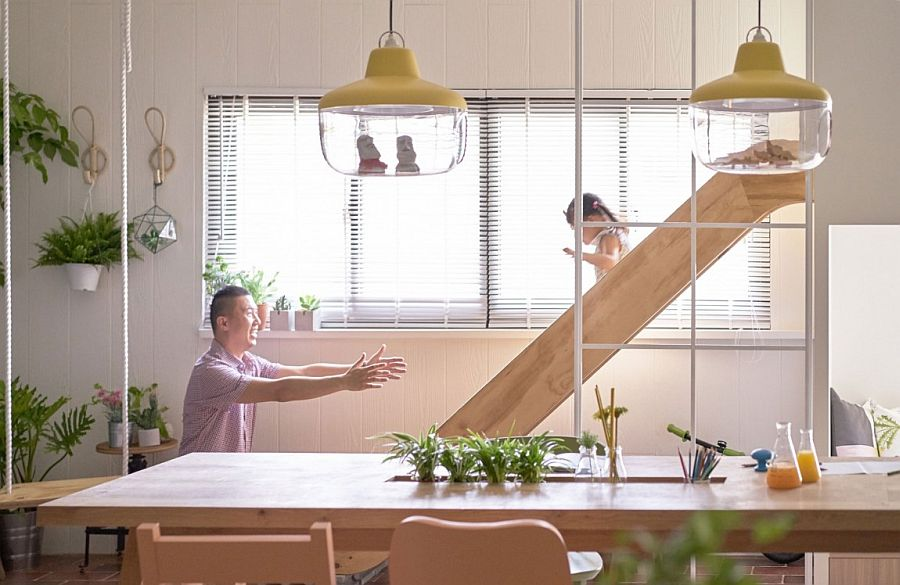 Smart home design combines the dining area with playroom