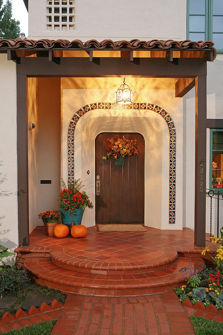 Mediterranean entry ideas an air of timeless majesty for Mexican porch designs