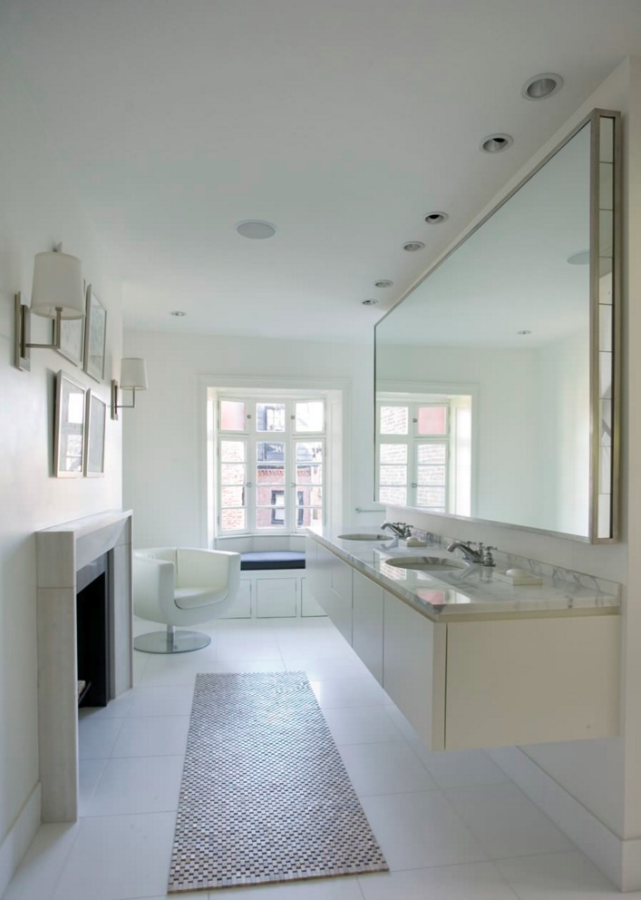 Townhome bathroom with modern seating