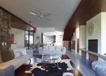 Unassuming-decor-choices-style-the-Sunshine-Beach-House-217x155