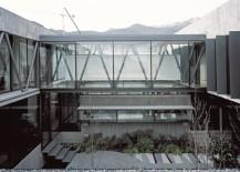 10-X-10-House-courtyard-217x155