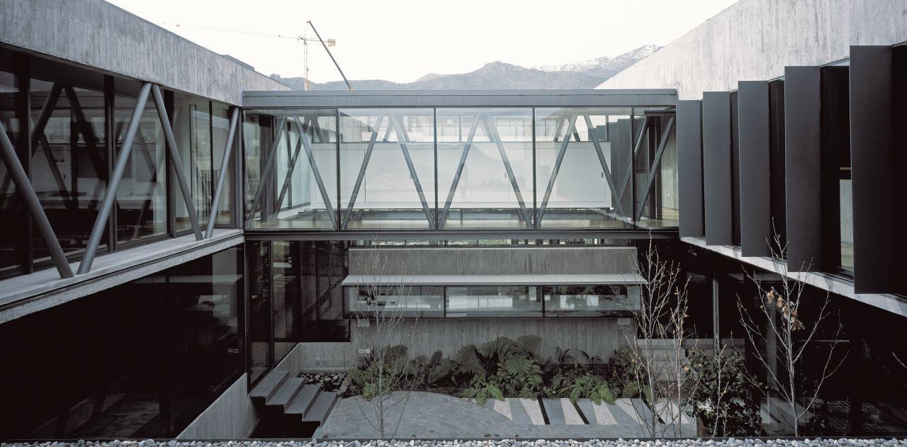 10 X 10 House courtyard