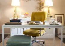 A touch of gold for the elegant home office