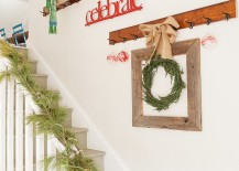Antique empty frames are a perfect way to decorate the staircase wall