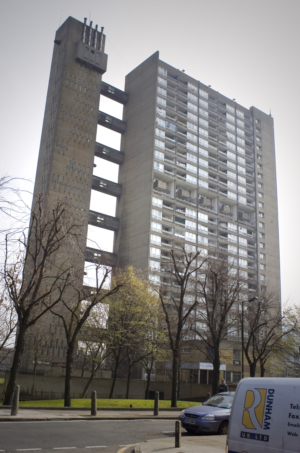 Balfron Tower by by Graeme Maclean