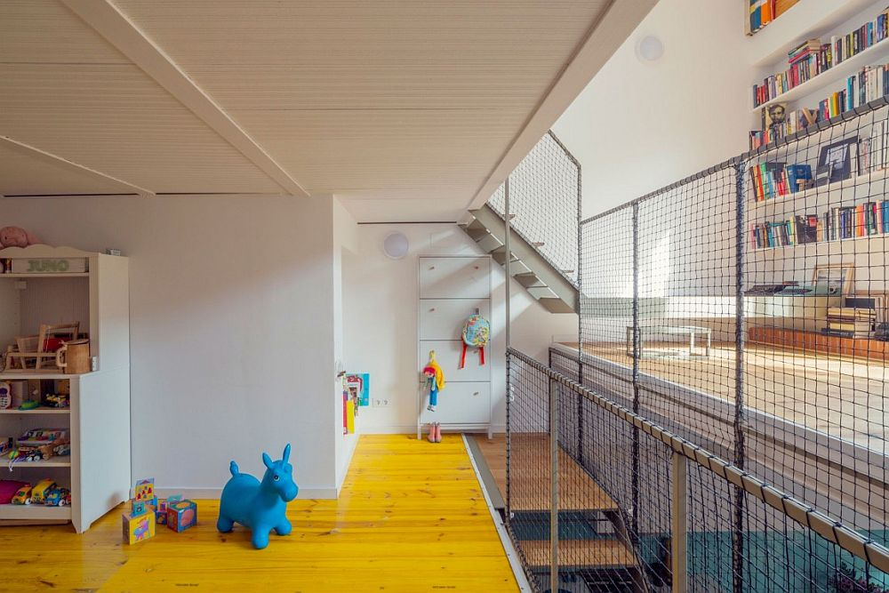 Bright and beautiful Mezzanine level kids' room