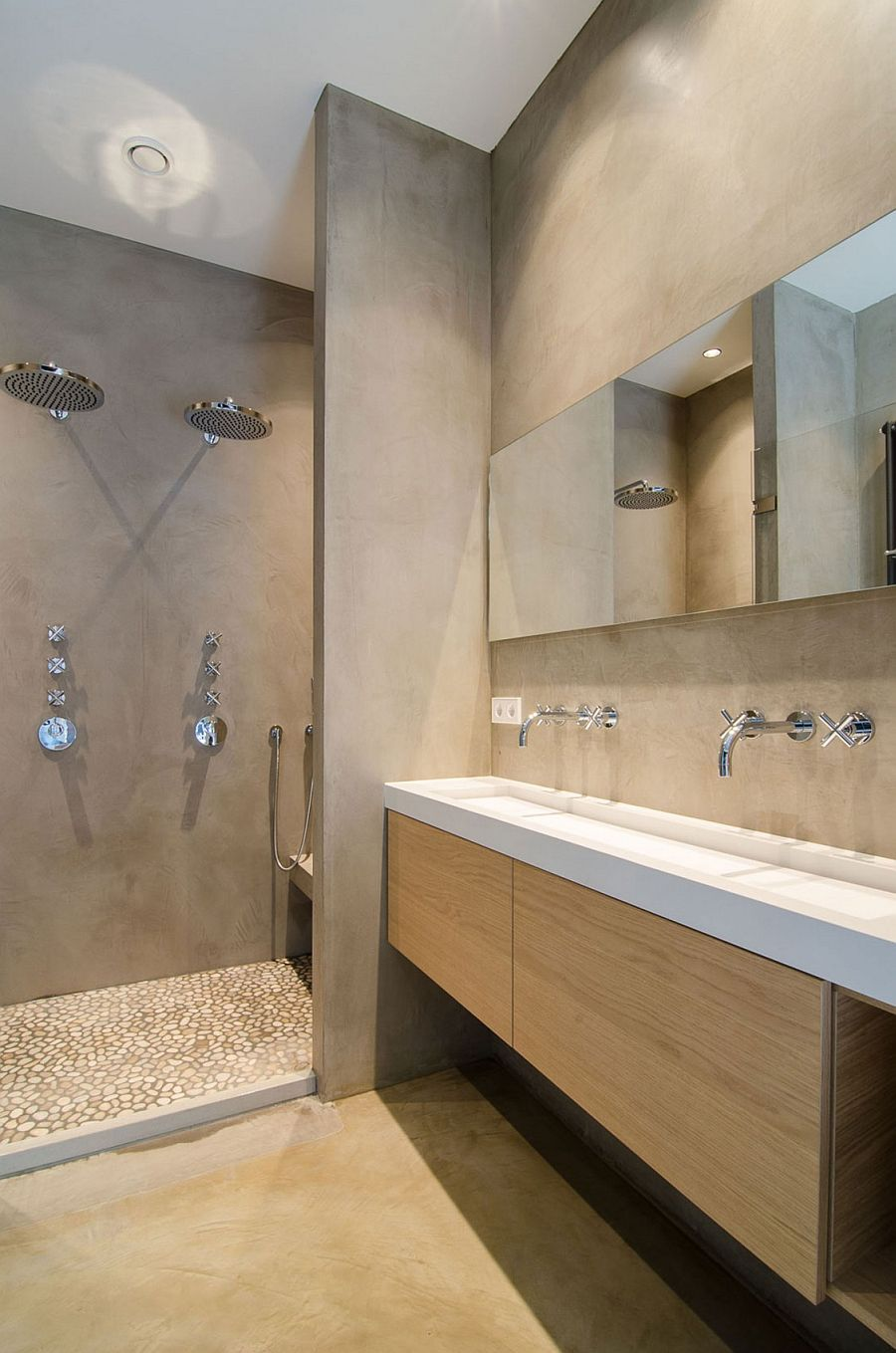 Concrete walls inside the contemporary bathroom