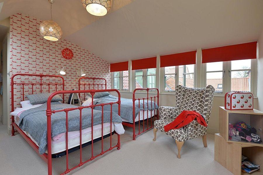 Custom decor and wallpaper usher in a cheerful vibe [Design: L'Atelier Natalia Willmott]