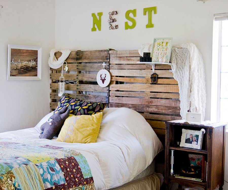 DIY pallet headboard for the shabby chic bedroom [From: Going Home To Roost / Bonnie Forkner]