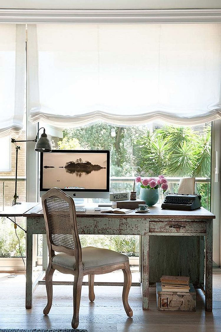 Distressed home office table [Design: Mardalba Interiors]