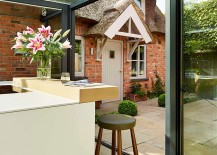 Exclusive glass box kitchen design takes the interiors outdoors