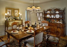 Hint of colonial panache enlivens classic dining room