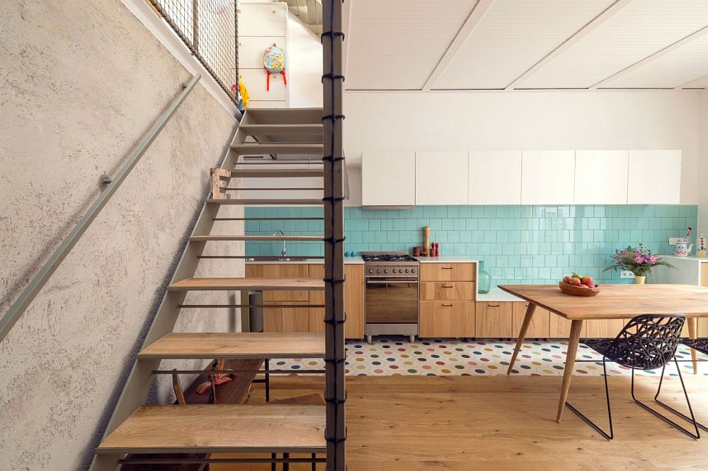 Innovative staircase design takes up little space in the smart Barcelona house