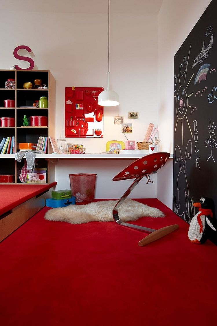 Interchangeable accents allow you to add color to the kids' room easily [Design: Burkhard Heß]