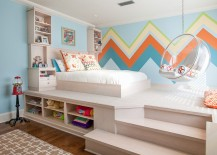 Large chevron patterned wall offers both color and contrast