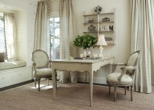Off white gives the home office a shabby chic look 217x155 30 Gorgeous Shabby Chic Home Offices and Craft Rooms