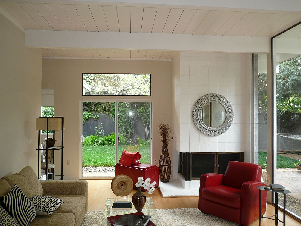 Old living room of the Palo Alto home