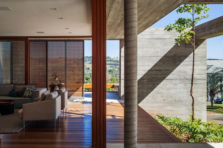 Open design of the Sao Paulo vacation home creates a flowing indoor-outdoor interplay