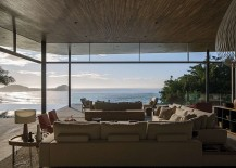 Open pavillion of the oceanside retreat in Guarujá with mesmerizing views
