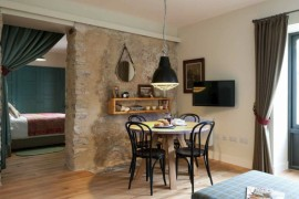 Through the Doorway: 10 Rooms with an Interior View