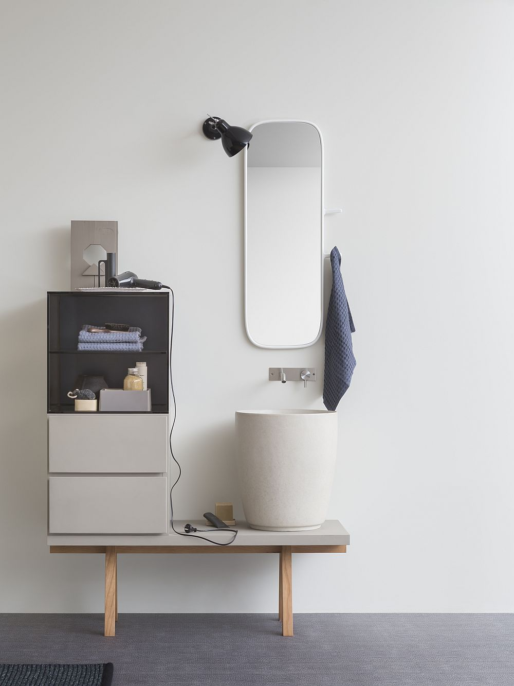 Perfect sink and decor collection for the contemporary bathroom