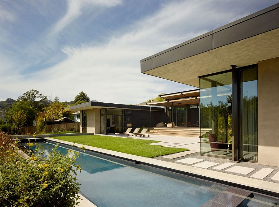 Pool deck and yard become the defining features of the courtyard home