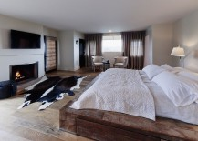 Reclaimed-wooden-platform-bed-for-the-modern-rustic-bedroom-217x155