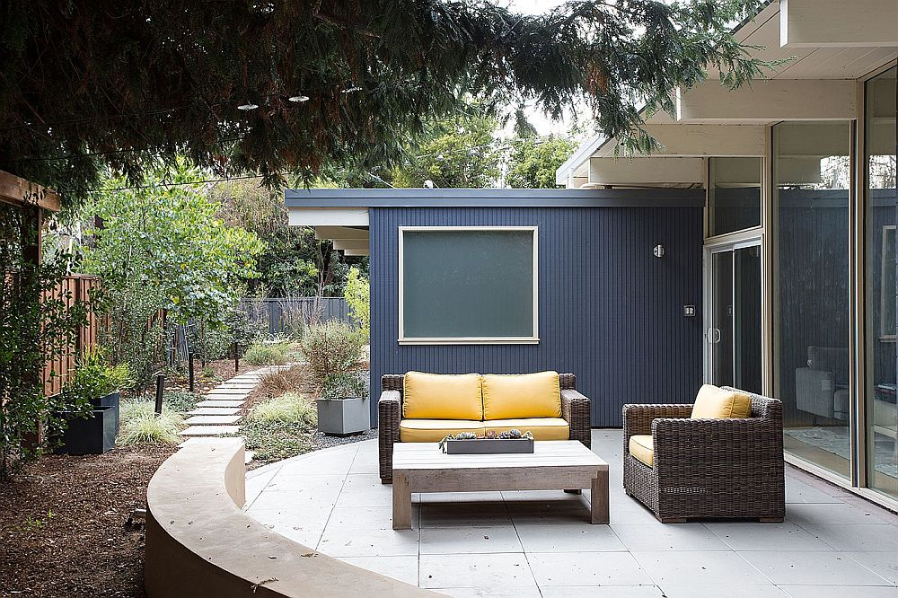 Remodeled yard of the Palo Alto Eichler home