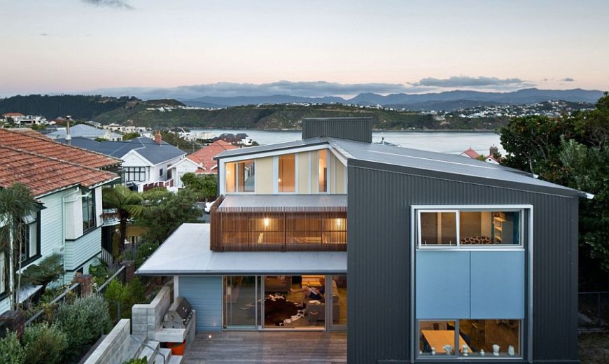 Early 1900s Villa in Wellington Acquires a Trendy, Light-Filled Extension