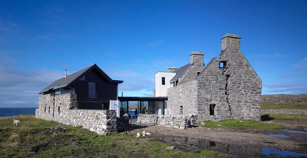 Ruins of Scottish home visited by Boswell and Johnston turned into a contemporary residence White House: Historic Ruins Acquire Modern Sheen on the Idyllic Isle of Coll