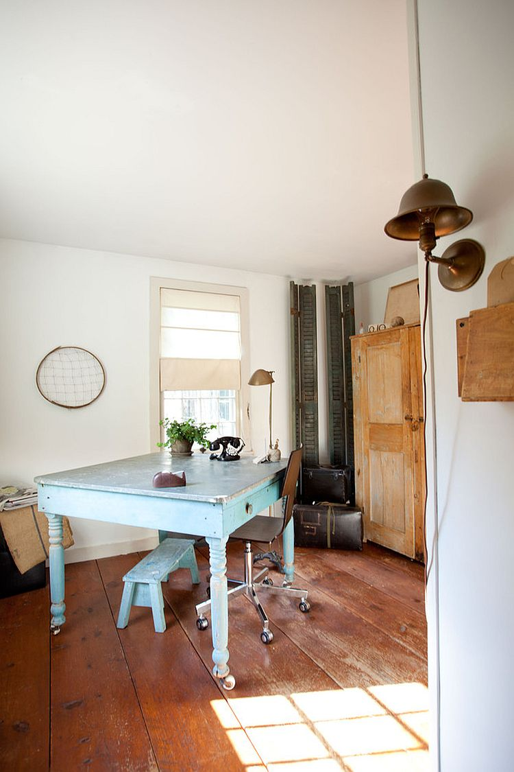Shabby chic style in the home office is easy to work with [From: Tess Fine]