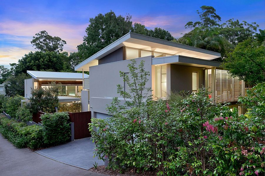 Single storey facade of the private Wahroonga House in Sydney