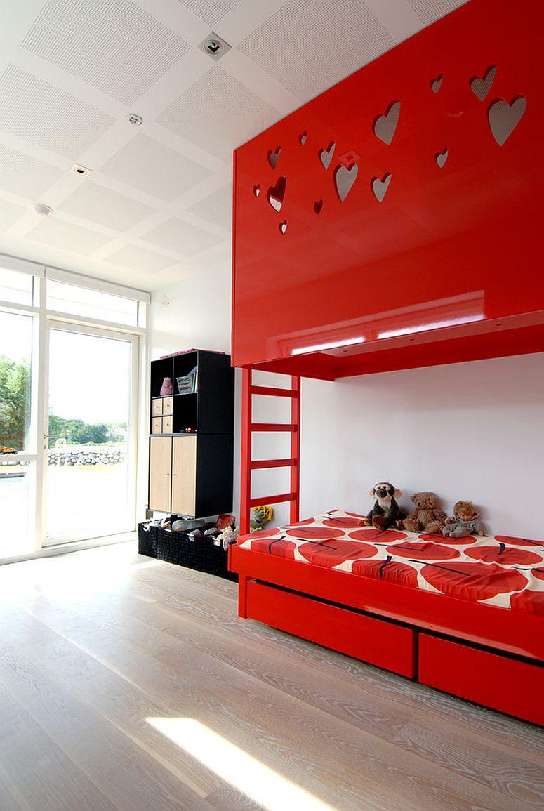 Stunning bunk bed becomes the focal point in this Scandinavian style kids' bedroom [Design: Arkitektfirmaet Kampaps]