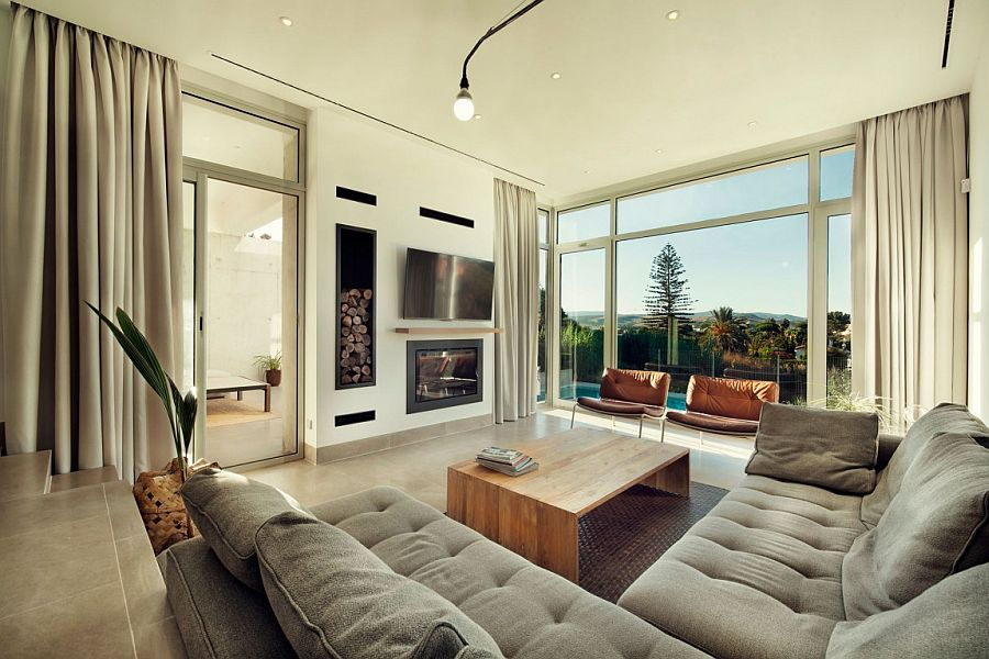 Stunning mountain views become a part of the living room