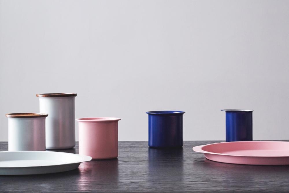 Tiipoi powder-coated trays and kitchenware