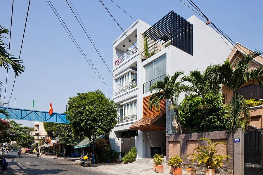 Traditional townhouse in Vietnam with a modern twist Ingenious Townhouse in Saigon is an Enigmatic, Light filled Delight
