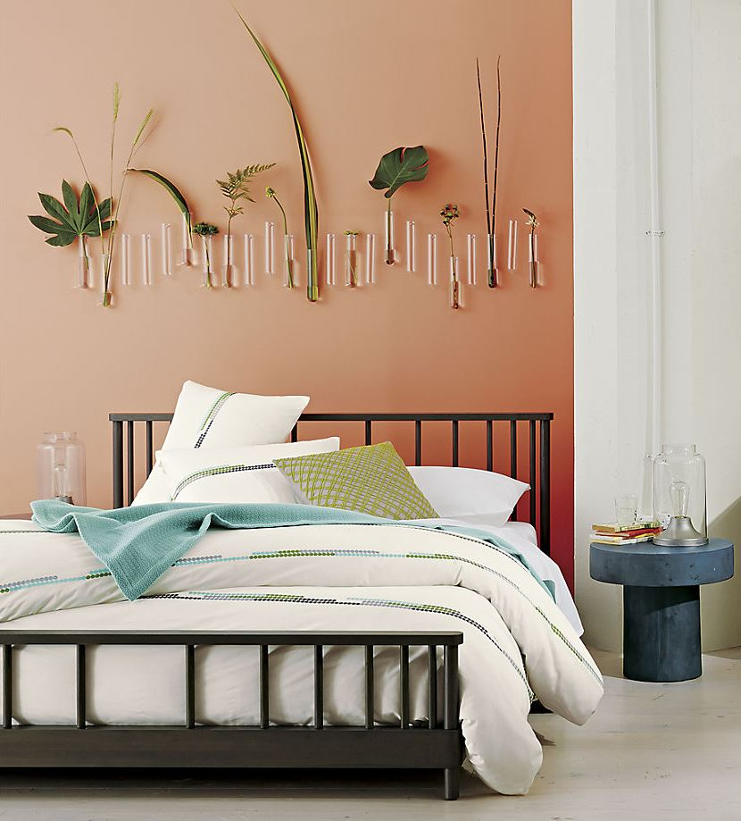 Tropical plants in a bedroom from cb2 decoist for Cuarto color