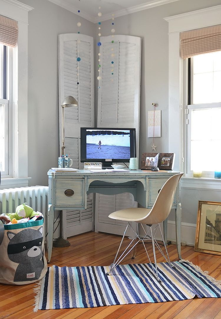 Unassumingly elegant shabby chic home office of New York home [Design: Kelly Donovan]