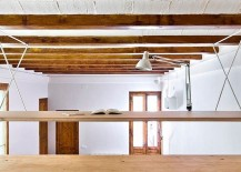 A-reading-zone-above-the-kitchen-for-the-young-and-the-agile-217x155