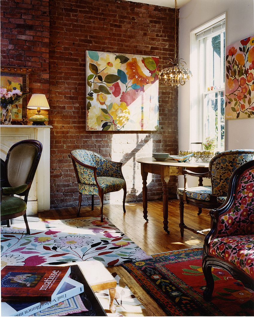 A splash of floral prints graces the traditional living room [Design: Kim Parker Interiors]