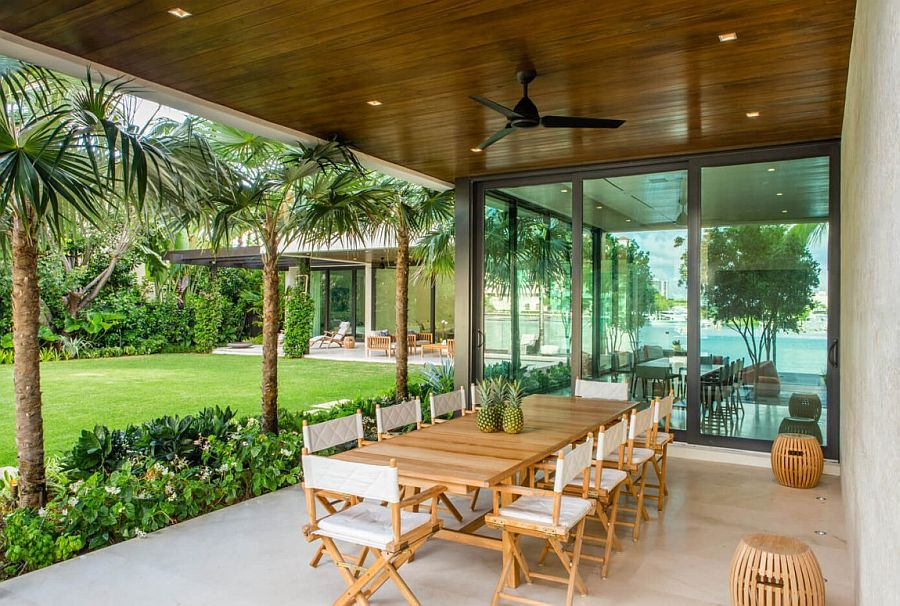 Alfresco dining of the cool Miami home
